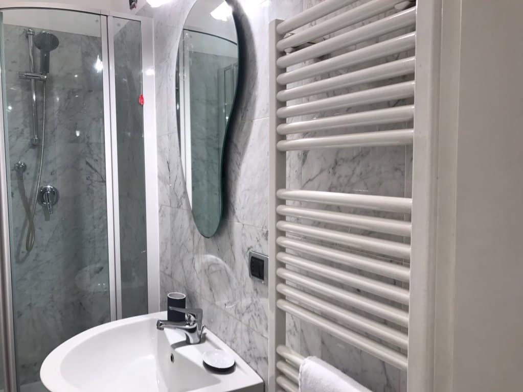Porta Venezia Apartment Bathroom