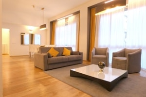 Big apartment for short stay Milan Duomo Square