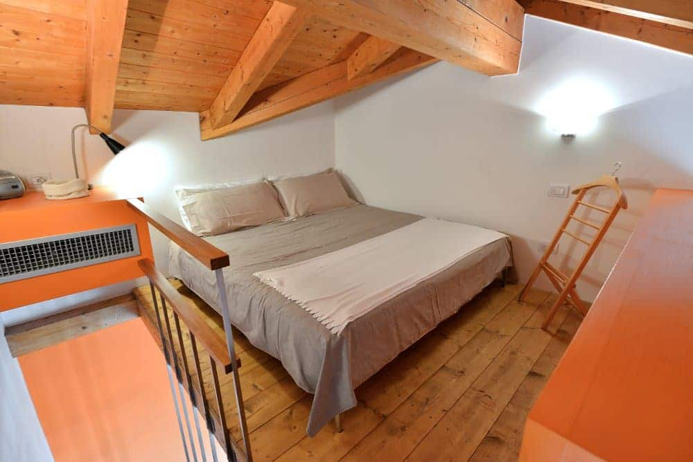bedroom-heart-Milan-Apartments-Navigli
