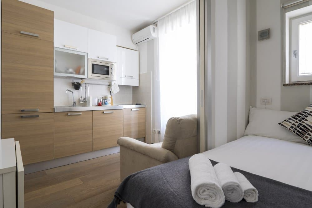 Studio-short-term-rental-Milan